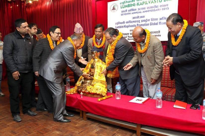 Handing over Buddha statue